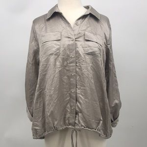 NWT Milla Button down Top Taupe Size L (AP4)